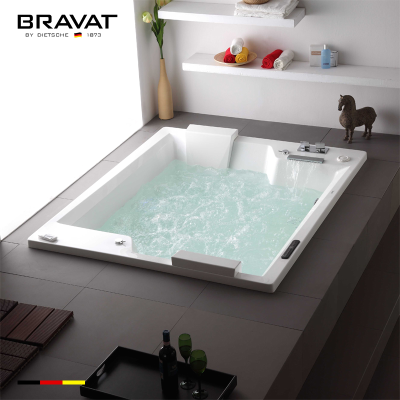 Bồn tắm massage sục khí Bravat B25823DW-4
